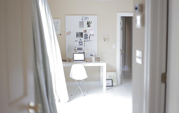 la-la-lovely-desk
