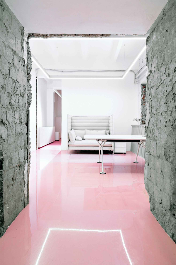pink floor trend via la la lovely