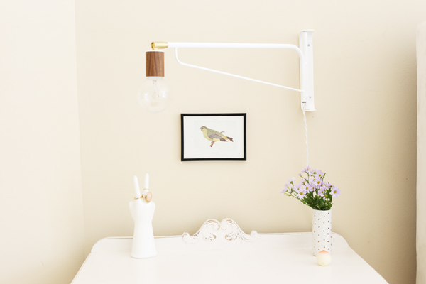 A Simple Nightstand | La La Lovely Blog