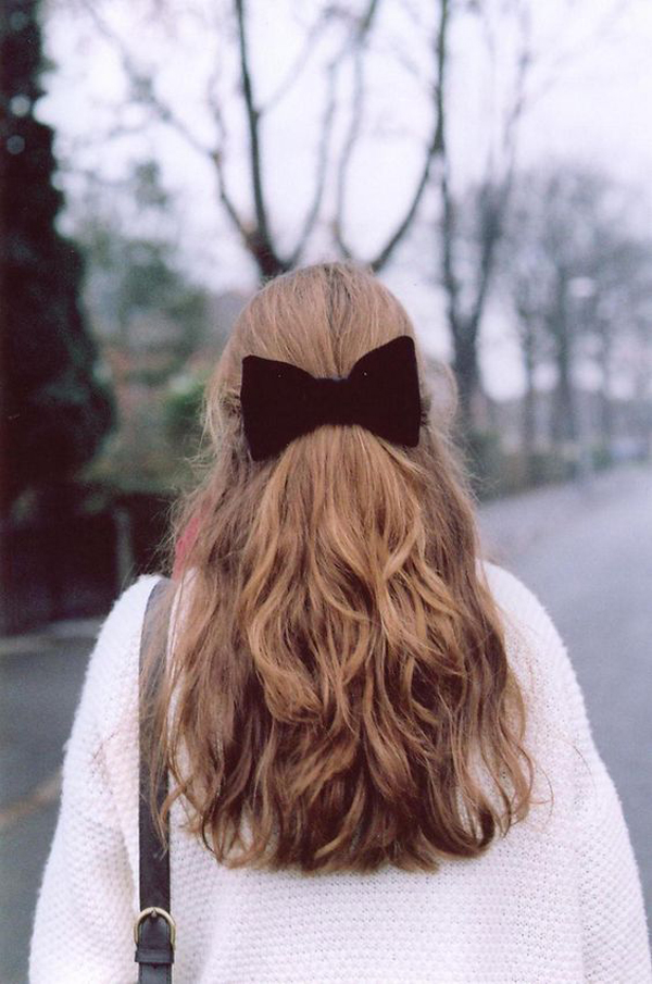 La La Loving Bows in hair