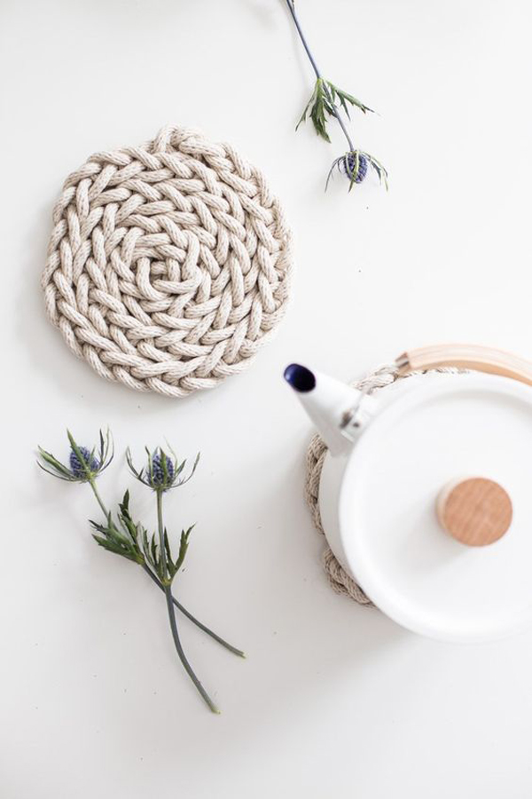 Finger Knit Trivet DIY