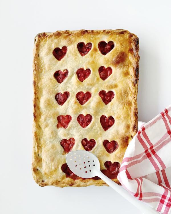 #LaLaLoving Strawberry Heart Pie