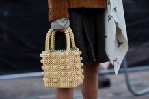 street-style-fall-2018-it-items-beaded-bag-shrimps