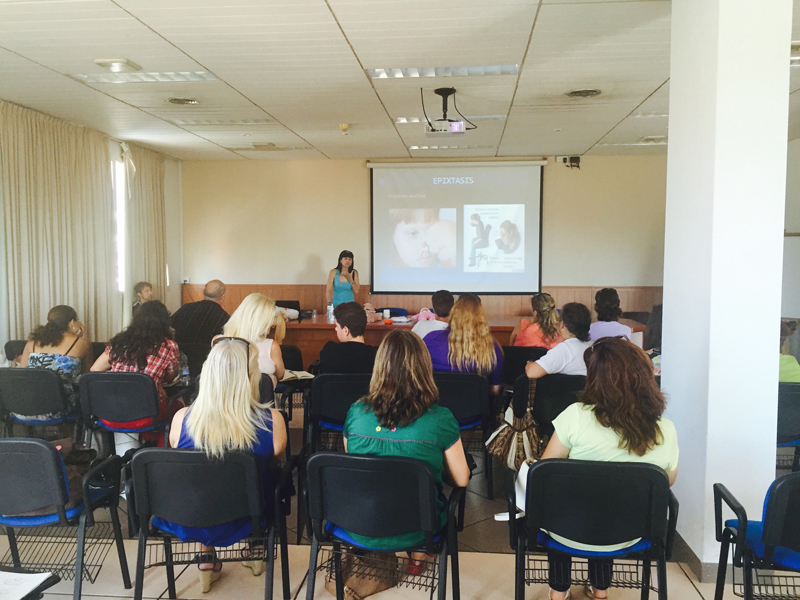 30 personas asisten al taller de primeros auxilios organizado por AMICS