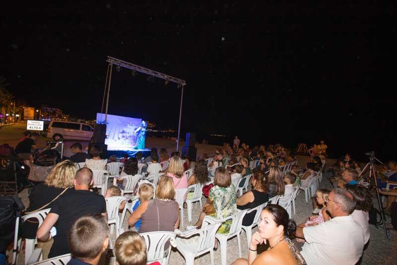 Más de 300 espectadores en el teatro infantil de Estiu Festiu