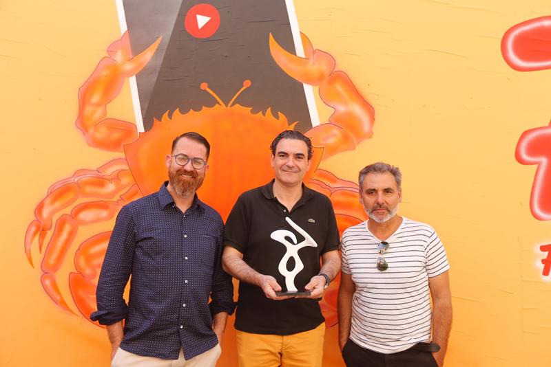Quico Torres diseña los premios de Fidewà, el primer Festival Internacional de Webseries de l'Alfàs del Pi