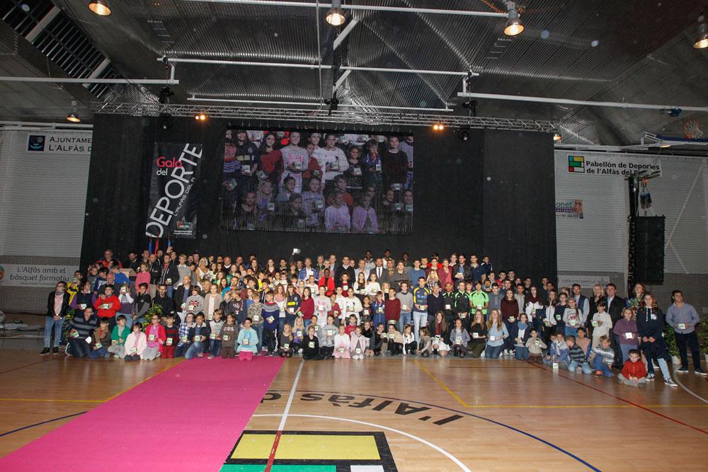 L'Alfàs reconoce el esfuerzo de más de 200 deportistas locales en su XXIII Gala del Deporte