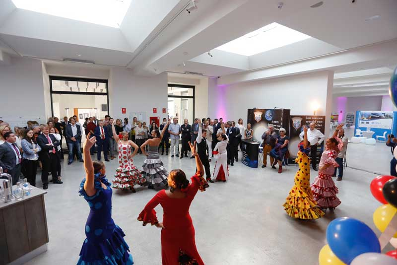 """El embajador de los Países Bajos y el alcalde de L'Alfàs inauguran """"The Art of Business"""""""