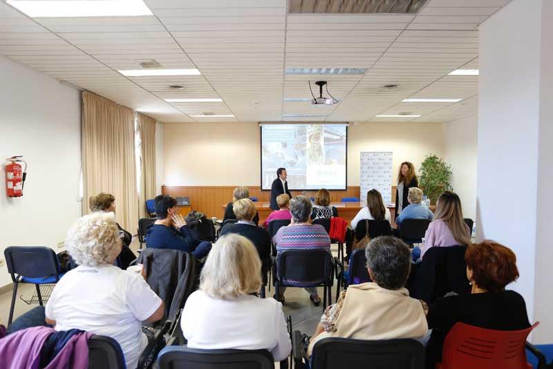 Sanidad e IMED Hospitales informan a la ciudadanía sobre cómo prevenir los problemas circulatorios