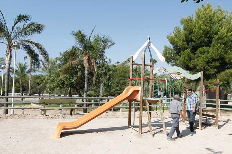 Operación puesta a punto zonas de juego de los parques municipales de l'Alfàs del Pi