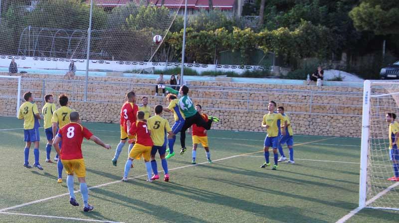 Primera Goleada de la temporada para el Senior que ganó 5-0 al Moraira.