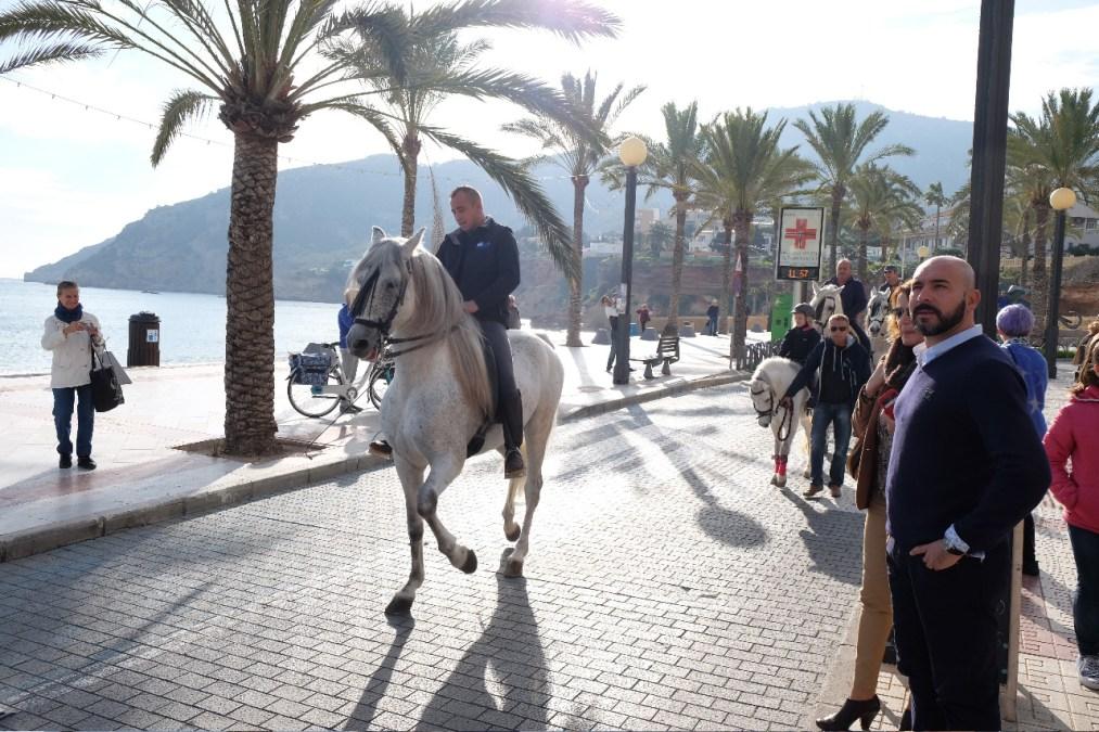 La Asociación Cuidemos El Albir recauda más de 600 euros con su paseo ecuestre solidario
