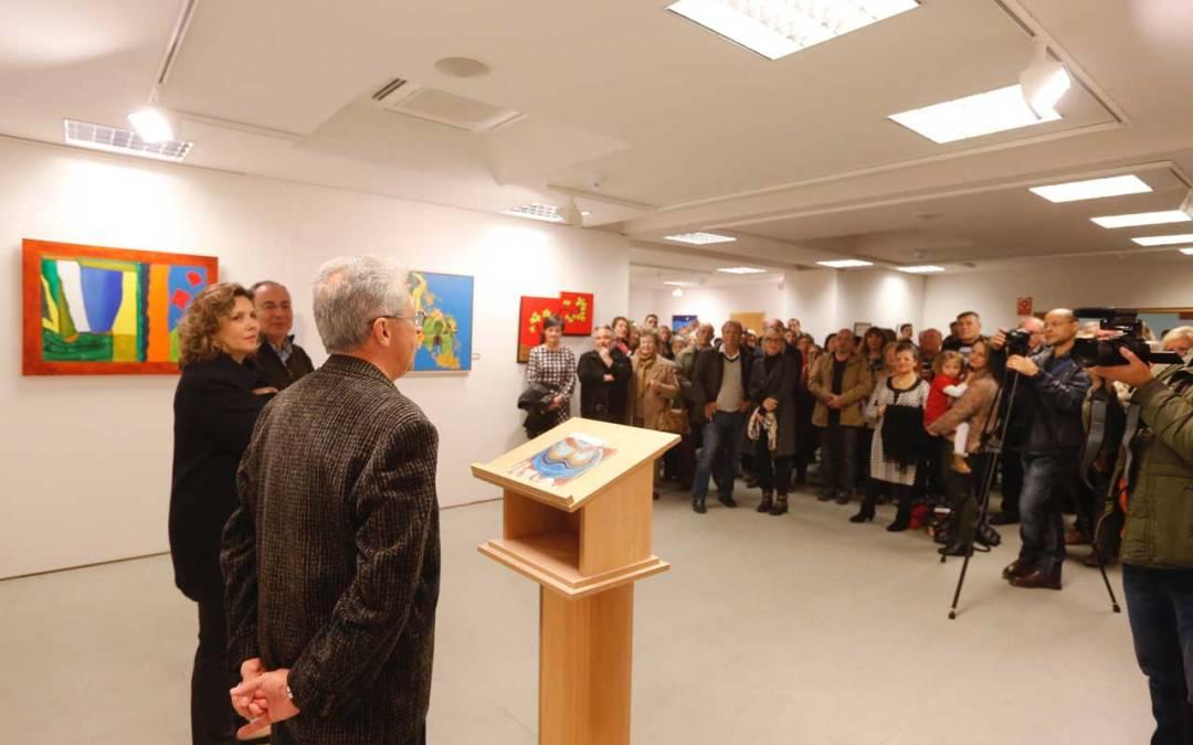 Más de un centenar de personas arropan a Goyo Pérez en la inauguración de su exposición