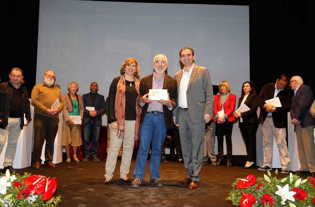 Más de 300 personas celebran en l'Alfàs el 25 aniversario de la Casa de Cultura