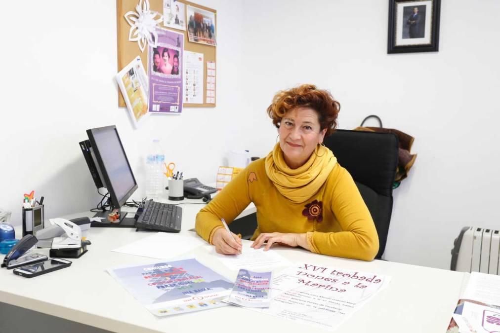 El Consejo de la Mujer de l'Alfàs acuerda la creación de una sección sobre igualdad en la biblioteca municipal
