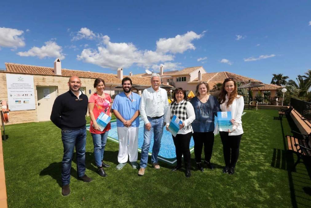 La edil de residentes de otras nacionalidades visita las instalaciones de la residencia de la Fundación Betanien