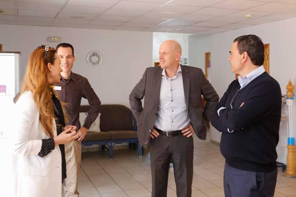 Vicente Arques se reúne con el nuevo director del centro Reuma-Sol