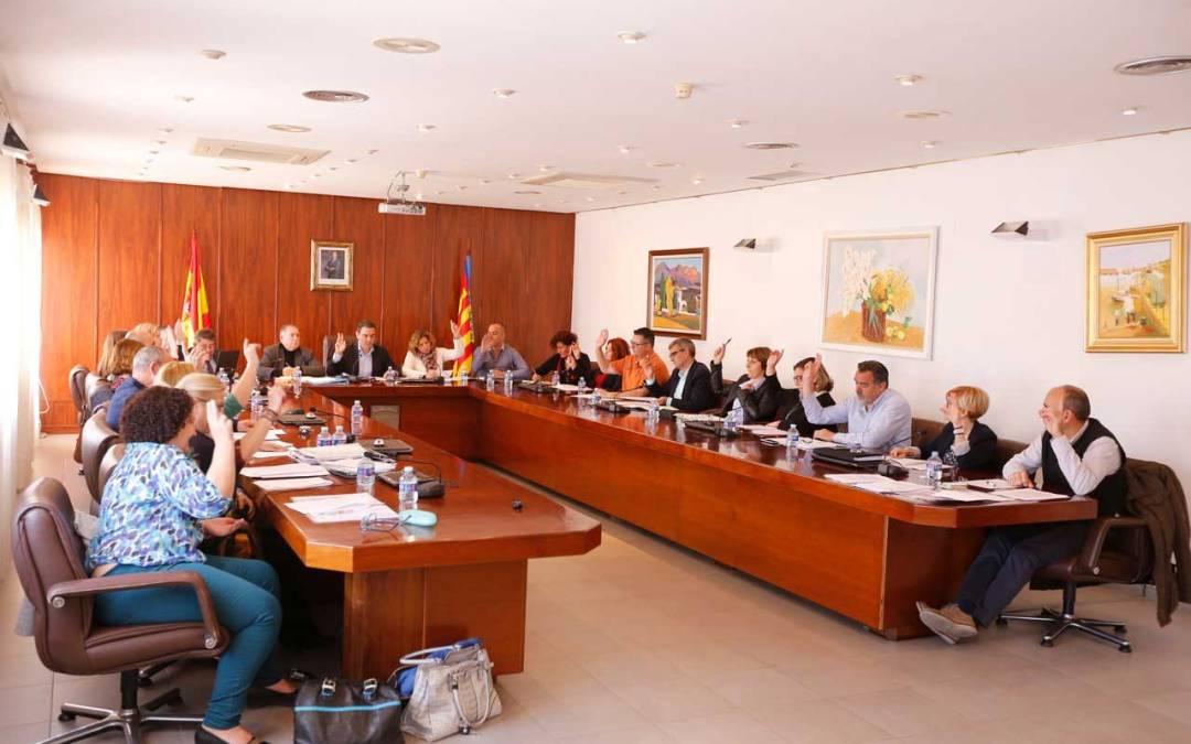 El Pleno de l'Alfàs aprueba por unanimidad la ordenanza de colocación carteles y vallas publicitarias en el municipio