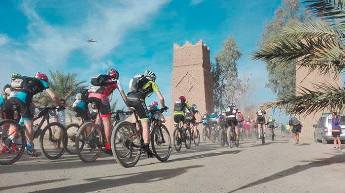 El equipo de l'Alfas del Pi termina la 4ª etapa de la Gaes Titan Desert by Garmin