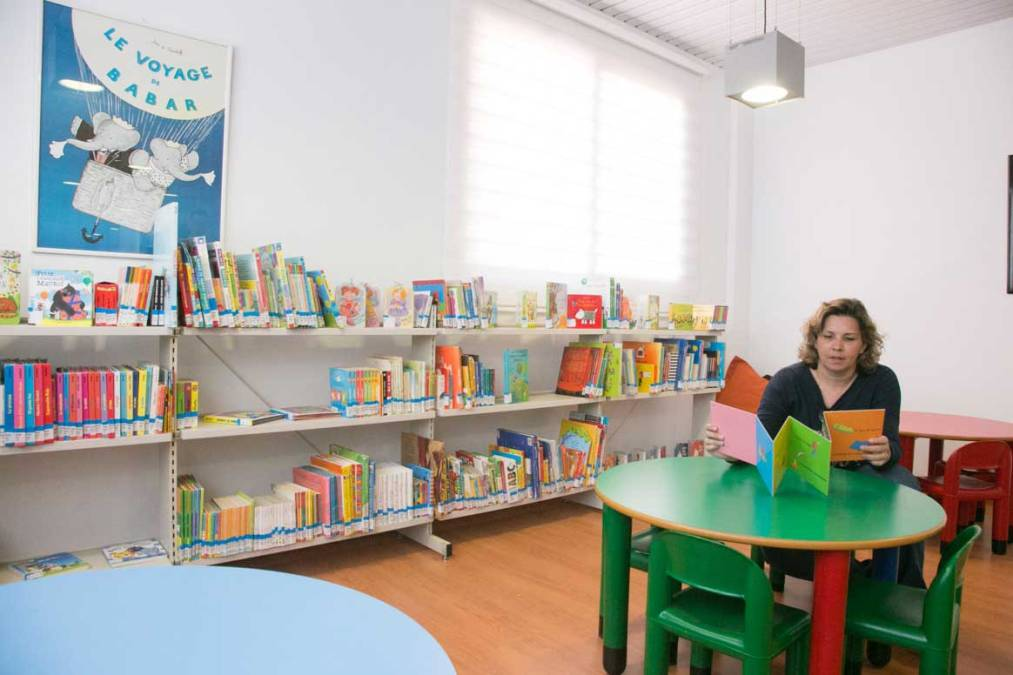La concejalía de Cultura de l'Alfàs crea una bebeteca en la biblioteca infantil