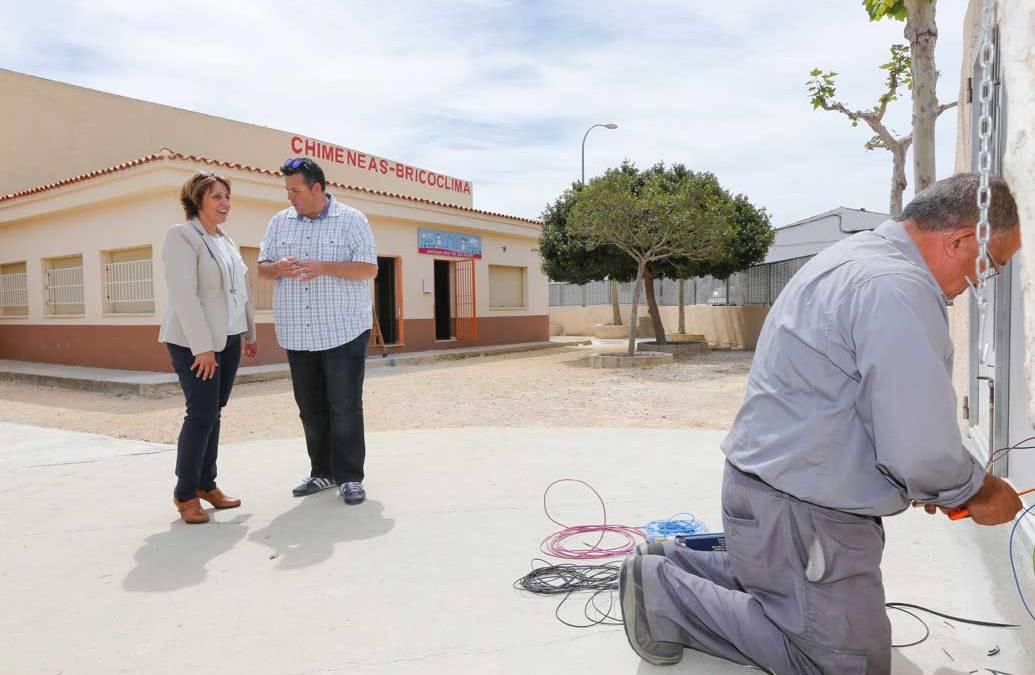 El Ayuntamiento de l'Alfàs realiza obras de mejora en la entrada del CEIP Santísimo Cristo del Buen Acierto