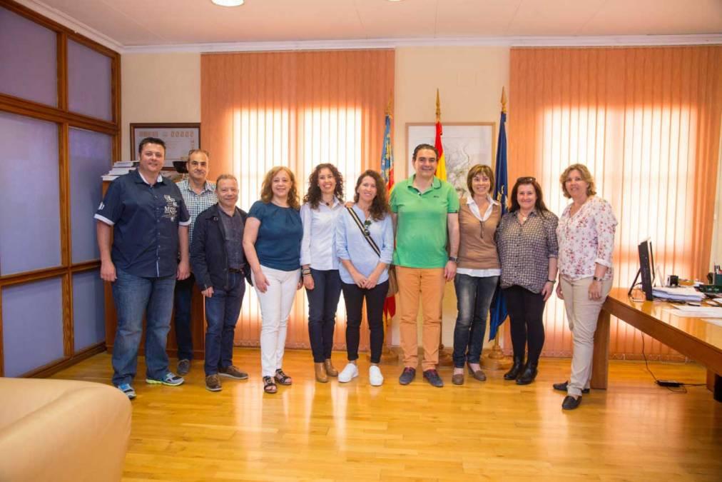 El alcalde de l'Alfàs recibe a los nuevos mayorales de la Creueta