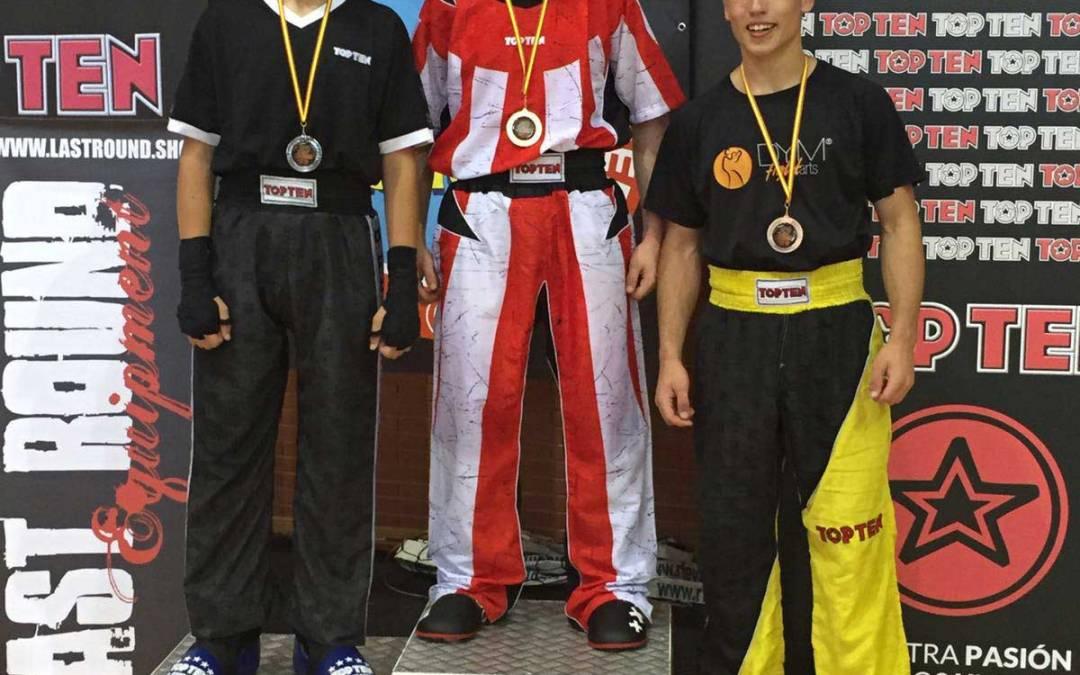Dos platas y un bronce para Javier López  y Francisco Zarco en su primera competición oficial de Kickboxin