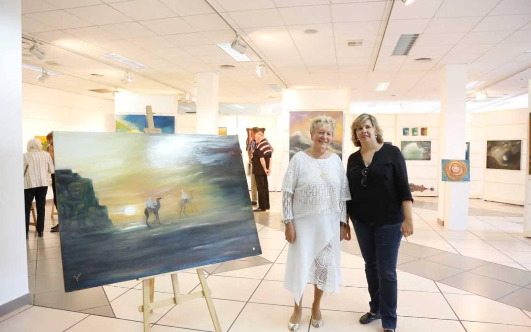 La Casa de Cultura de l'Alfàs del Pi acoge una nueva exposición a cargo de la pintora alemana 'Jorei'