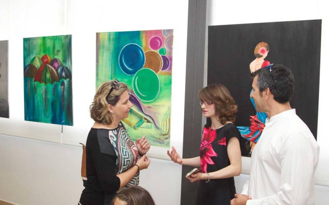 La artista búlgara Sezi expone en el Centro Social de l'Albir