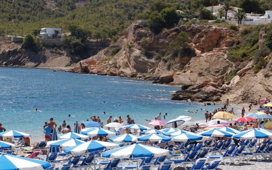L'Alfàs del Pi y la Consellería estudian nuevas vías para potenciar al municipio como destino turístico