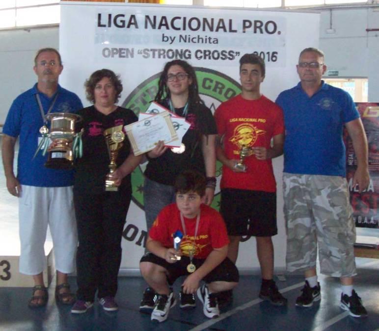 Paqui Pérez y Celia Nadal  se proclaman campeonas del Pro Strong Cross de Vinaròs.
