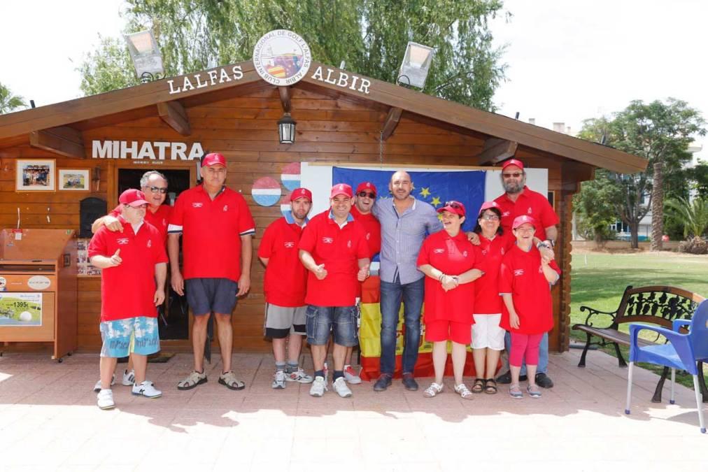 El campo de golf de l'Albir celebra la clausura del curso de golf adaptado del Centro Doble Amor