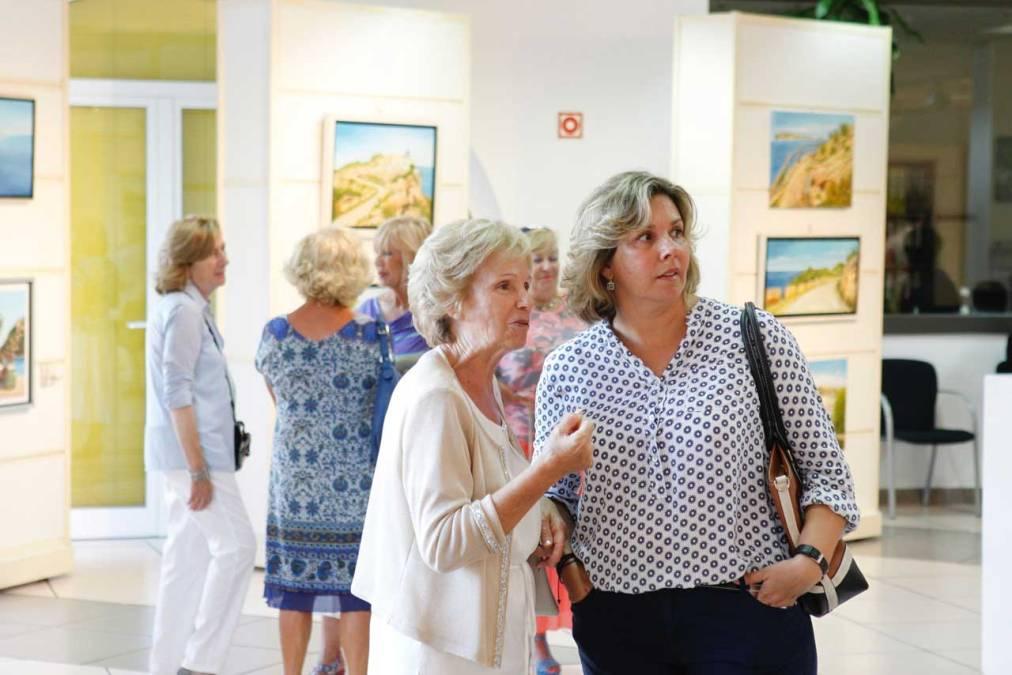 Cándida Campo expone en la Casa de Cultura de l'Alfàs del Pi una recopilación de 50 de sus obras
