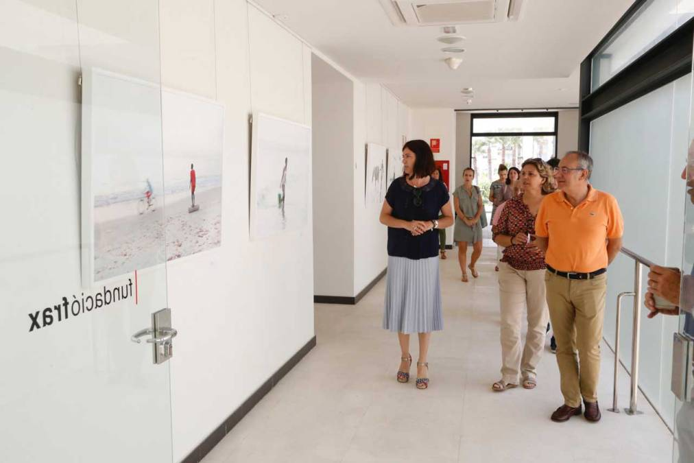 Laura Medrano lleva a la Fundación Frax los 'Sueños' de las orillas de las playas de Gambia y Senegal