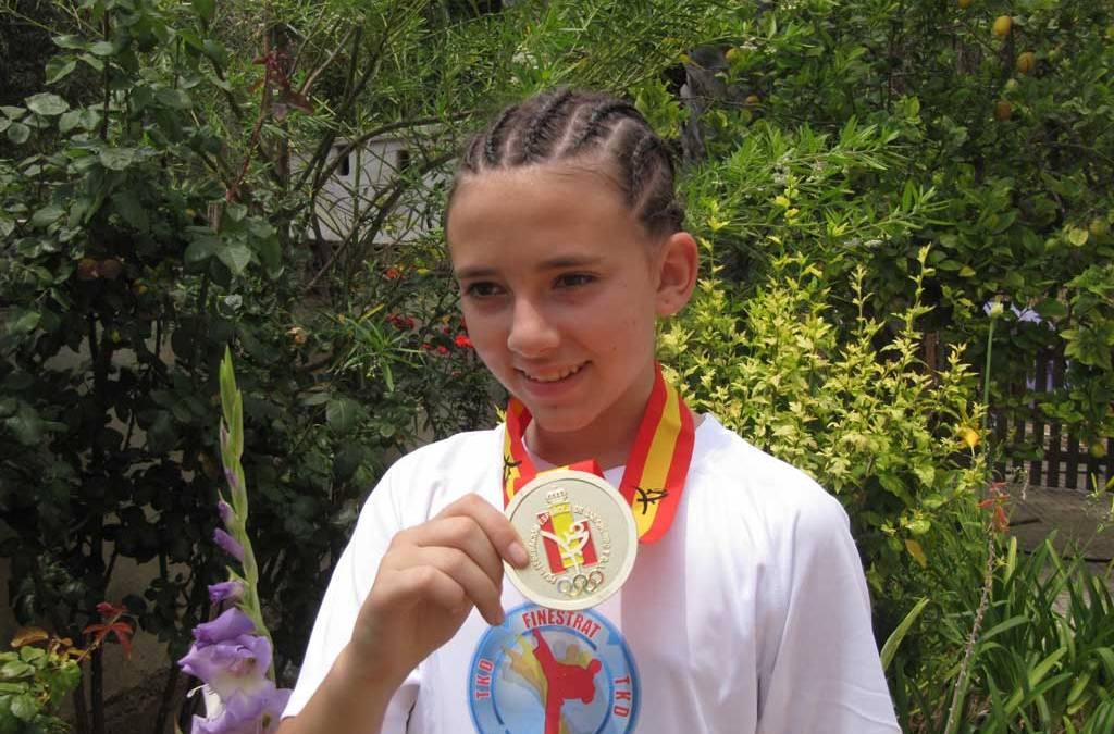 María Vidal Frases se ha proclama Campeona de España de taekwondo este sábado en el Campeonato de España   de  Poonsae 2016 celebrado en Castellón.