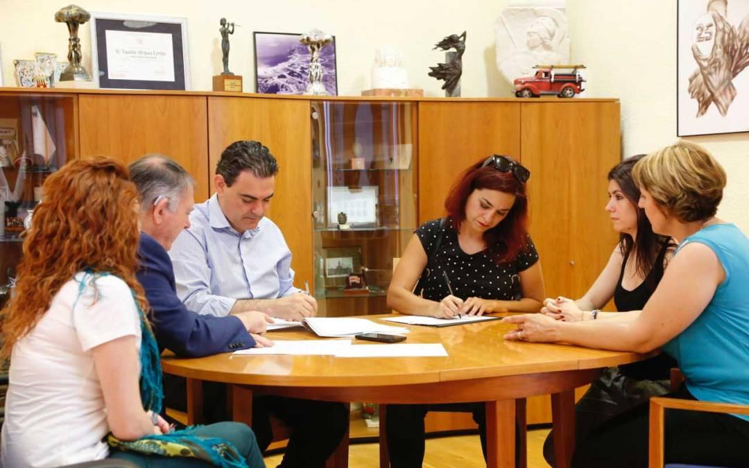 El Ayuntamiento de l'Alfàs del Pi y la Universidad Miguel Hernández amplían las líneas de colaboración