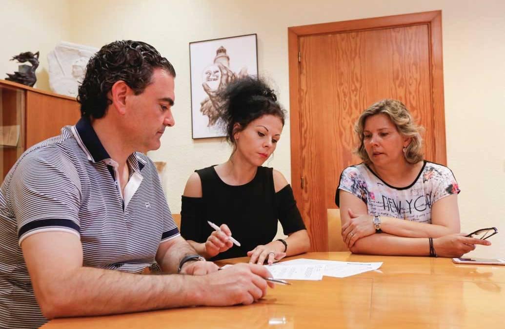 El ayuntamiento de l'Alfàs del Pi estrecha lazos con el Club de Rumanos y renueva su convenio de colaboración