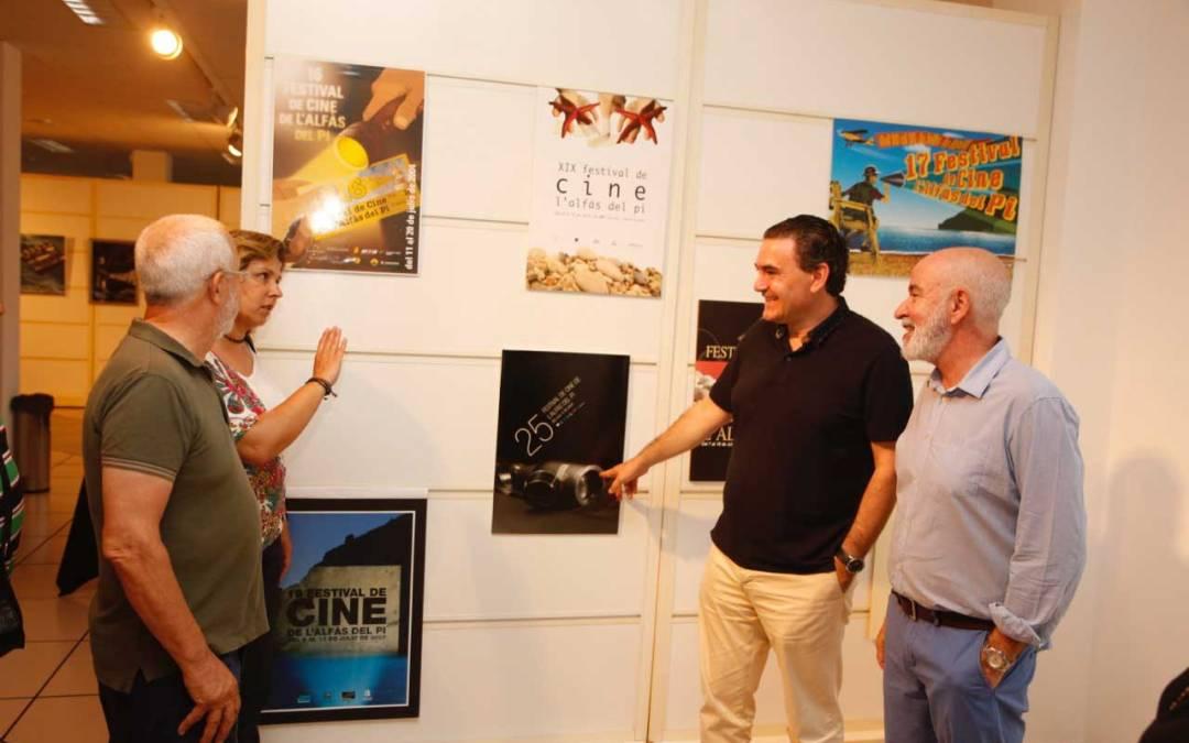 La Casa de Cultura de l'Alfàs acoge una exposición retrospectiva de las 28 ediciones del Festival de Cine