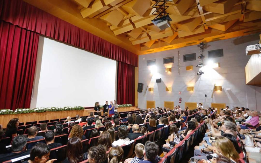 Más de 400 personas asisten al estreno del corto 'The Velers' en el 28 Fetival de Cine de l'Alfàs