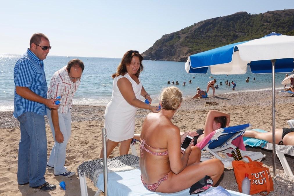 L'Alfàs del Pi y SAV intensifican la campaña 'Ecol'Alfàs' en la playa del Racó de l'Albir