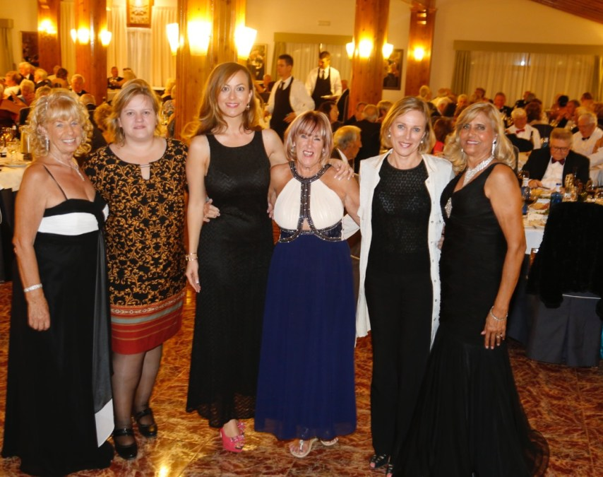 Companians cumple su undécimo aniversario y lo celebra con una cena solidaria