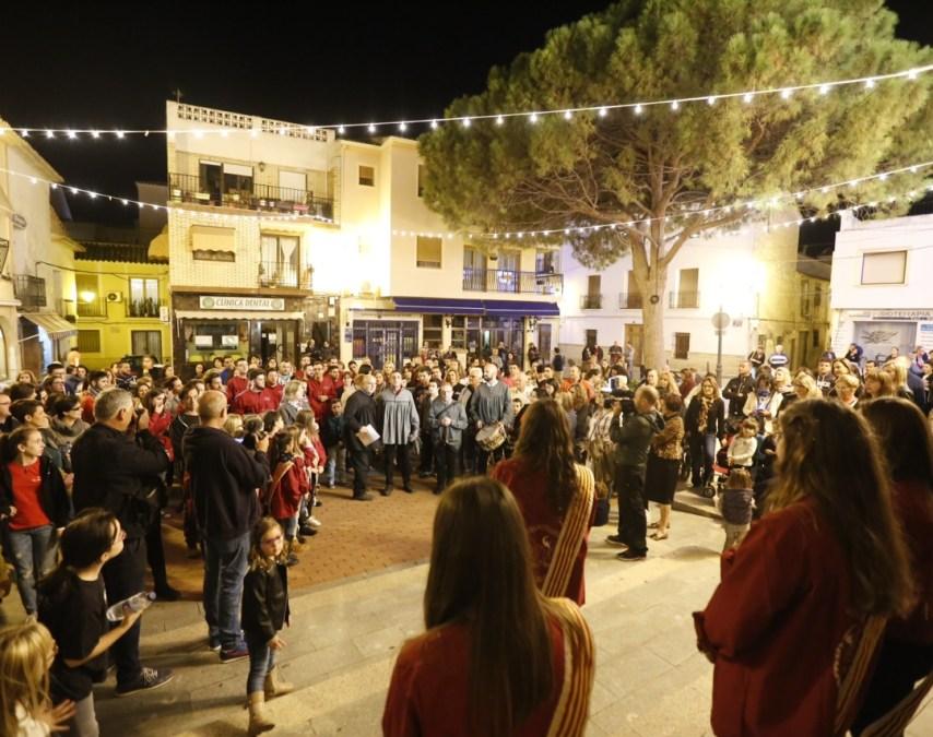 La Nit d'Albaes y un innovador pregón, momentos cumbre del primer fin de semana de fiestas