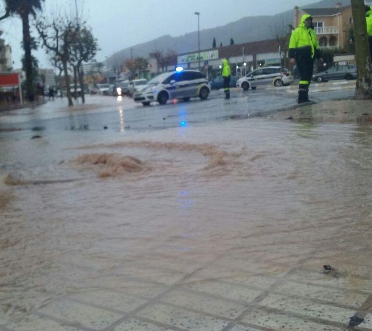 La Policía Local reestablece la normalidad en l'Albir tras el temporal