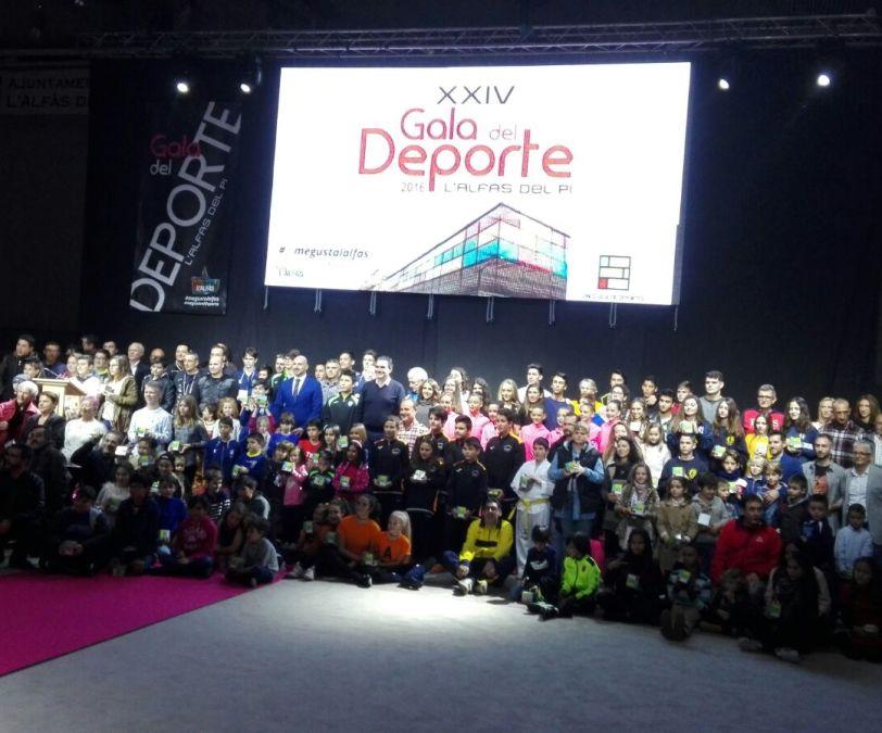 La  XXIV Gala del Deporte homenajeó a Francisco Cortes (El Poro) y reconoció a las niñas alevines  Gimnasia Rítmica como mejor equipo.
