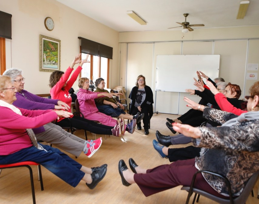 Más de 40 personas asisten a los talleres saludables para personas mayores