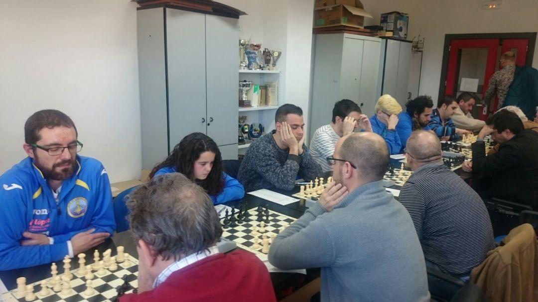 El  club de  ajedrez de l'Alfàs del Pi  gana al de Silla en la liga autonómica