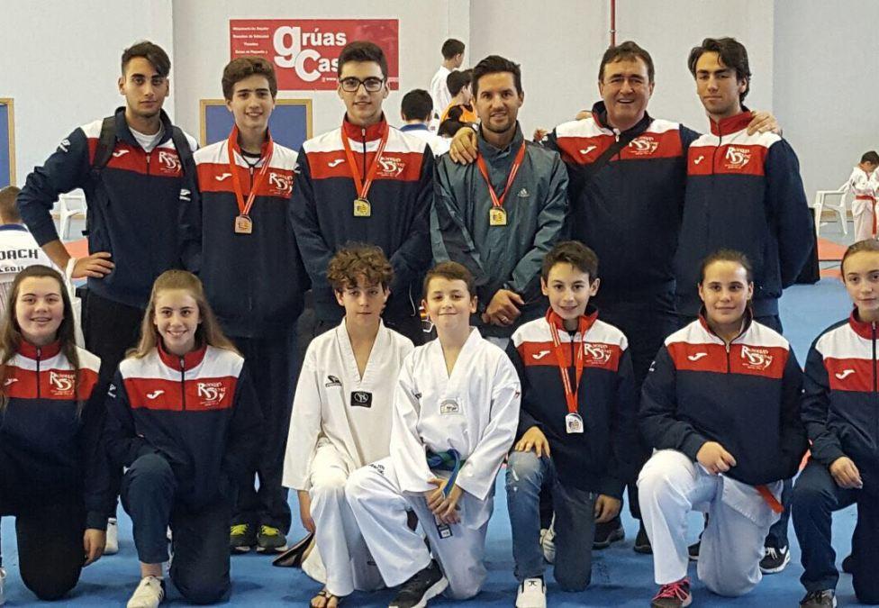 Dos oros, dos platas, y un bronce en el  autonómico de taekwondo para el club Neptuno de l'Alfàs del Pi.