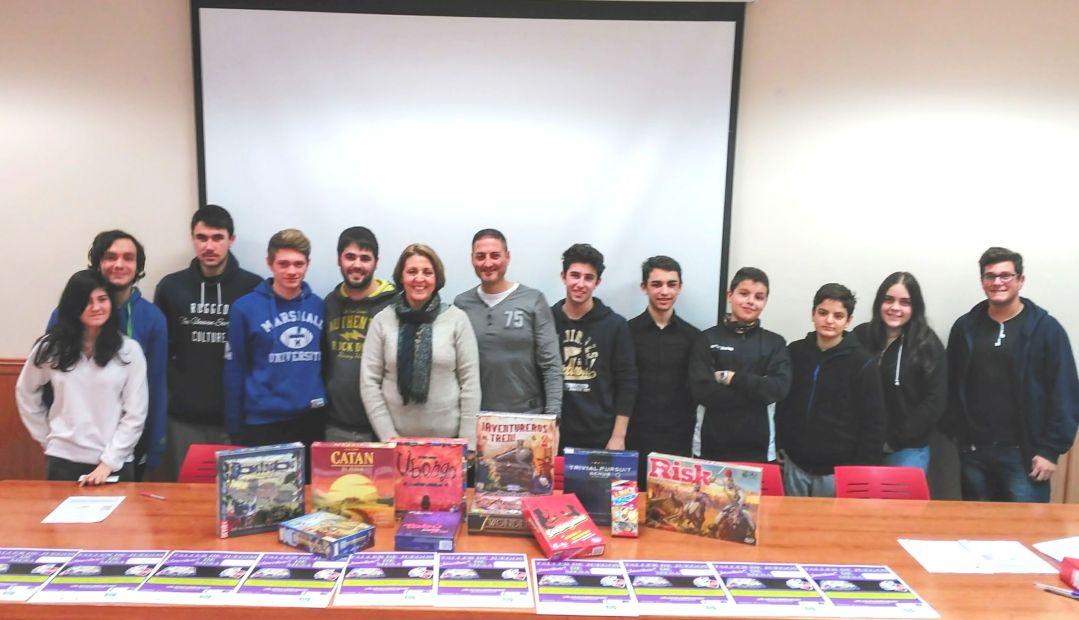 Se amplía el taller de juegos de mesa que oferta la concejalía de Juventud de l'Alfàs