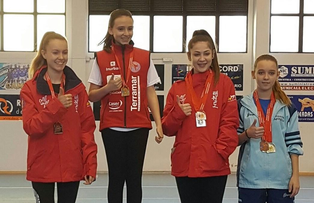 María Vidal Frases medalla de oro y plata en el autonómico de taekwondo.