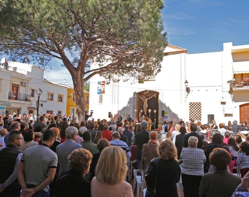 L'Alfàs se vuelca en la celebración del 160 aniversario de la llegada del Santísimo Cristo del Buen Acierto